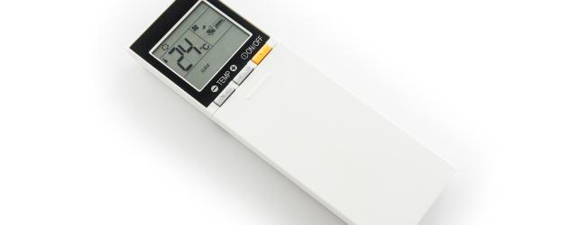 Air con remote with temperature